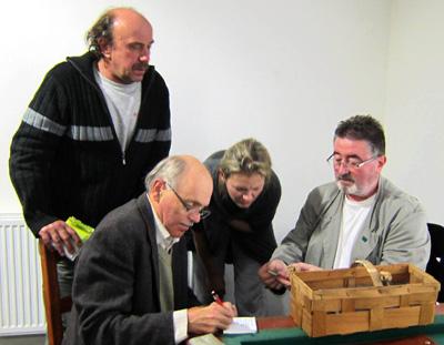 pravidelná součást přednášek - houbařská poradna - foto: P. Hampl