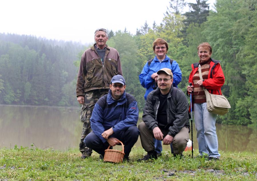 aktéři SOBOTNÍ terénní deštivé houbařské výpravy