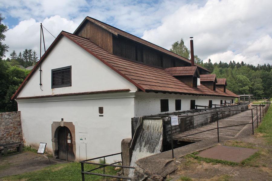 staletý dobřívský vodní hamr