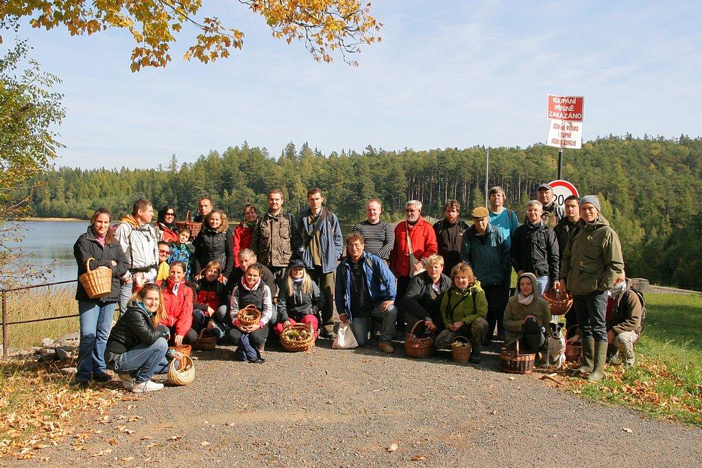 účastníci semináře vsobotu na přehradě Láz - foto: Radim Dvořák