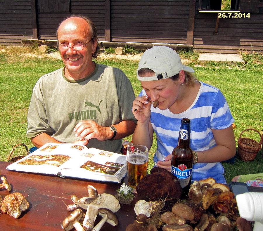 Jirka aMartina při hodnocení vůně achuti hub