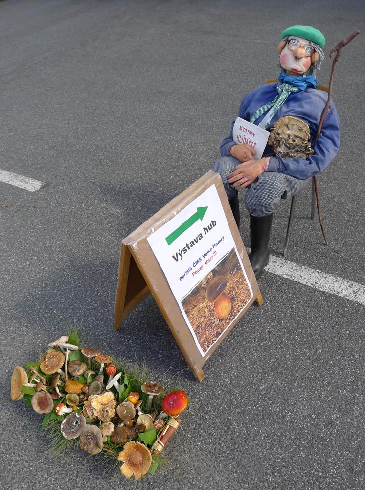 tradiční maskot výstavy, houbař Pepa