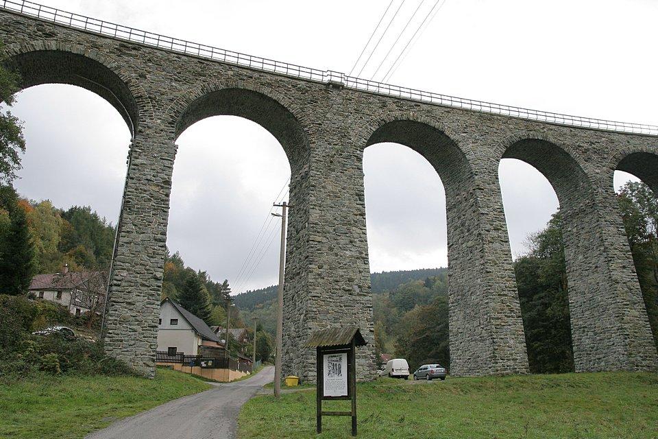 Novinský viadukt - foto: Radim Dvořák