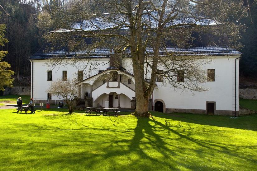 Bischofstein, budova zámečku srestaurací asálem - foto: Martin Růžek
