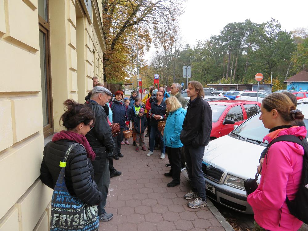 zahájení vycházky - foto: Lubomír Opat
